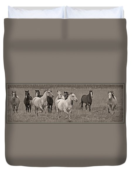 Duvet Cover featuring the photograph Escapees From A Lineup D8056 by Wes and Dotty Weber