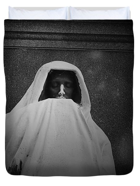 'eternal Silence'- Graceland Cemetery Chicago Duvet Cover by Christine Till