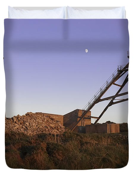 Evening Light At Botallack Duvet Cover by Terri Waters