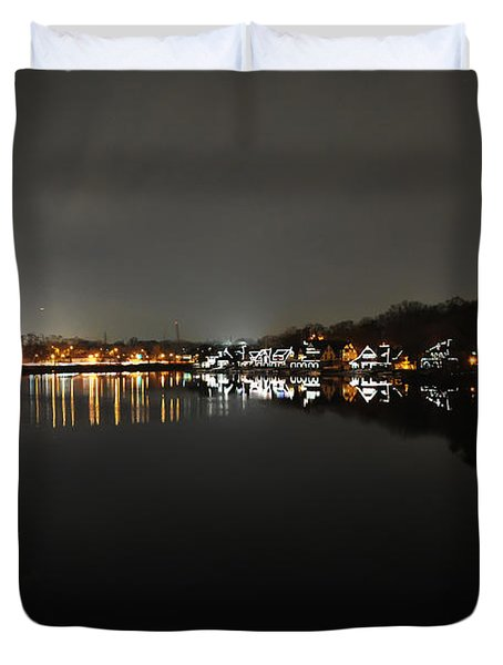 Fairmount Dam And Boathouse Row In The Evening Duvet Cover by Bill Cannon