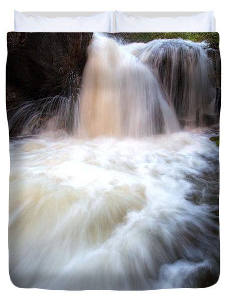 Duvet Cover featuring the photograph Fall And Splash by David Andersen
