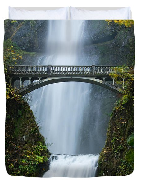 Fall At Multnomah Falls Duvet Cover by Don Schwartz