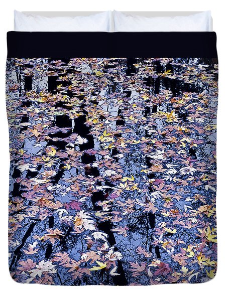 Duvet Cover featuring the photograph Fall Reflections by Alan L Graham