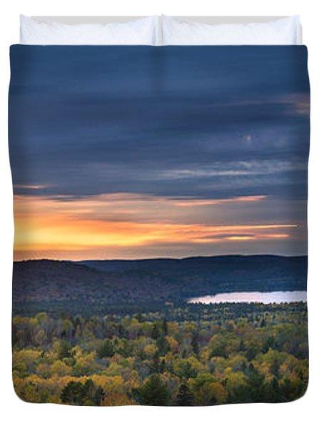 Fall Sunset In Wilderness Duvet Cover