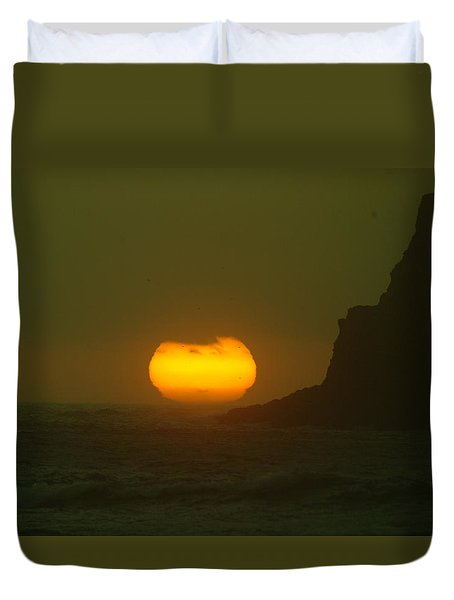Falling Into The Waves Duvet Cover by Jeff Swan