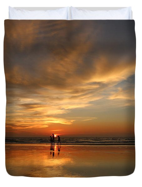 Family Reflections At Sunset - 2 Duvet Cover