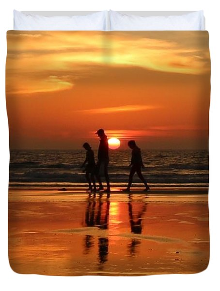 Family Reflections At Sunset - 1 Duvet Cover