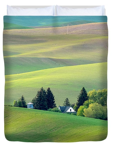 Farm Buildings Nestled In The Palouse Country Duvet Cover