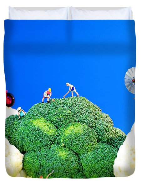 Farming On Broccoli And Cauliflower Duvet Cover by Paul Ge