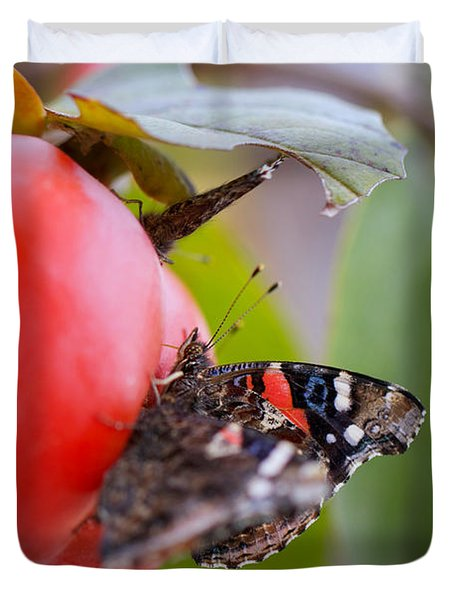 Duvet Cover featuring the photograph Feeding Time by Erika Weber