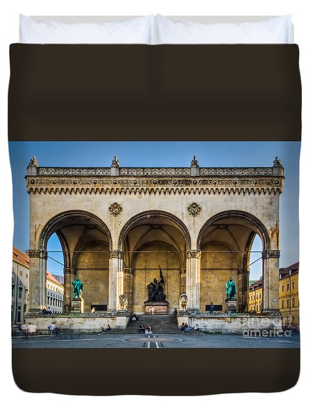 Duvet Cover featuring the photograph Feldherrnhalle by John Wadleigh