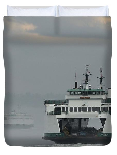 Duvet Cover featuring the photograph Ferries Pass In The Fog by E Faithe Lester