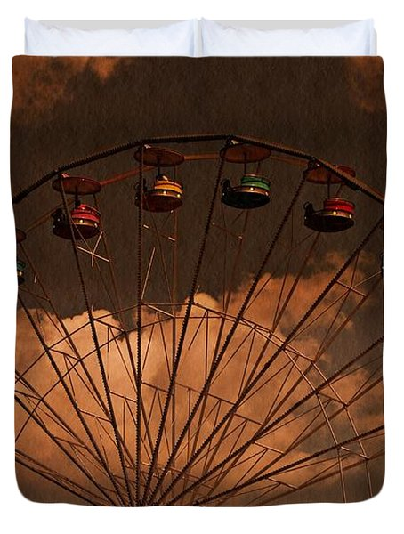 Ferris Wheel At Twilight Duvet Cover