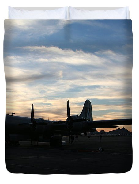 Duvet Cover featuring the photograph Fi-fi by David S Reynolds