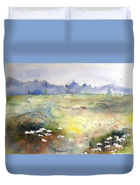 Duvet Cover featuring the painting Field Of Daisies by Marilyn Zalatan