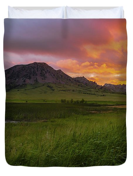 Fiery Sky Over Bear Butte Duvet Cover