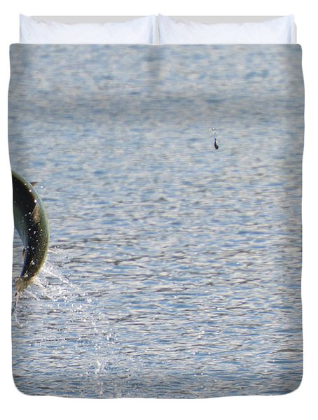 Fighting Chinook Salmon Duvet Cover