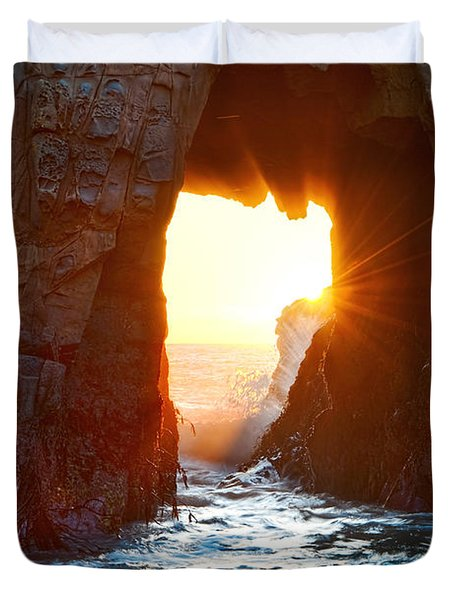 Fireburst - Arch Rock In Pfeiffer Beach In Big Sur. Duvet Cover by Jamie Pham