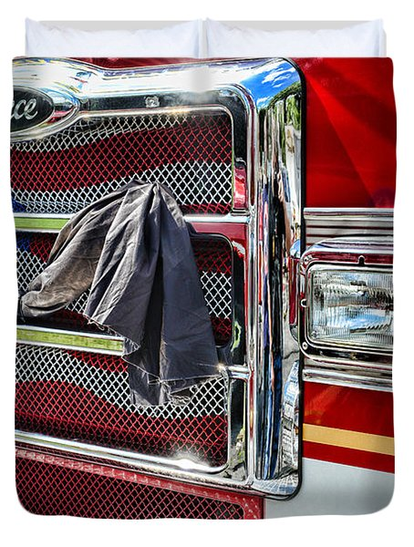 Fireman - Remembering Fallen Heroes Duvet Cover by Paul Ward
