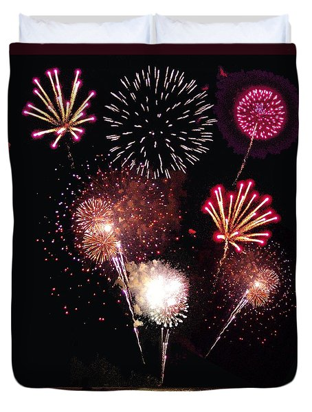 Fireworks At St. Albans Bay Duvet Cover