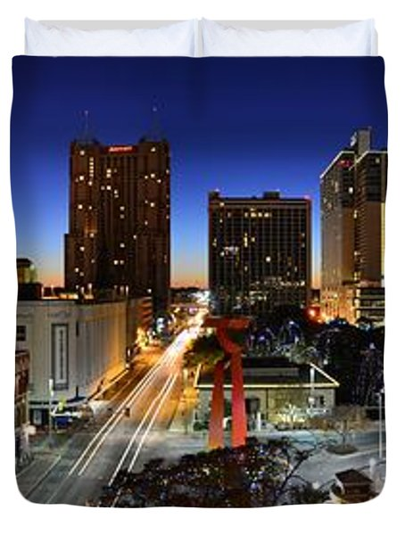 First Light On San Antonio Skyline - Texas Duvet Cover