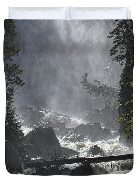 Duvet Cover featuring the photograph Fish Creek Mist by Don Schwartz