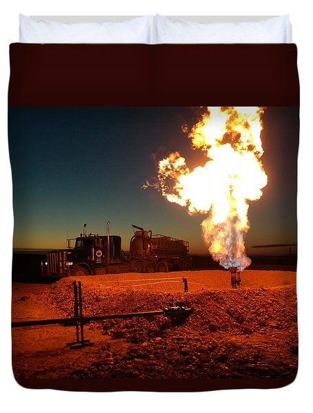 Flare And A Vacuum Truck Duvet Cover by Jeff Swan