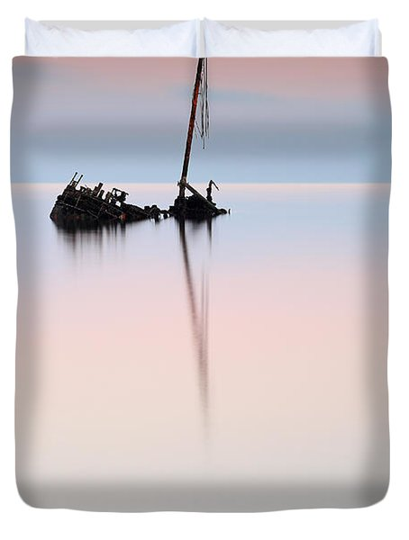 Flat Calm Shipwreck  Duvet Cover by Grant Glendinning