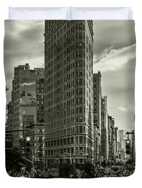 Flatiron Building - Black And White Duvet Cover