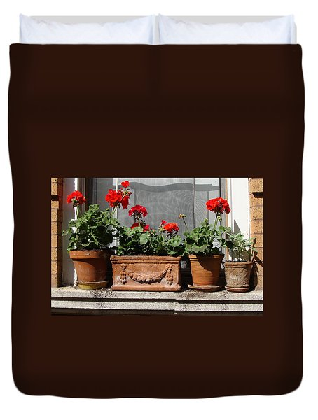 Duvet Cover featuring the photograph Flowers Of New York by Ira Shander