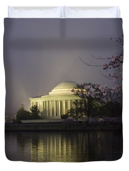 Foggy Morning At The Jefferson Memorial 1 Duvet Cover