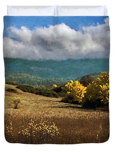 Foothill Autumn In Southern Oregon Duvet Cover by Mick Anderson