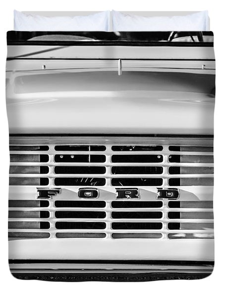 Ford Bronco Grille Emblem -0014bw Duvet Cover