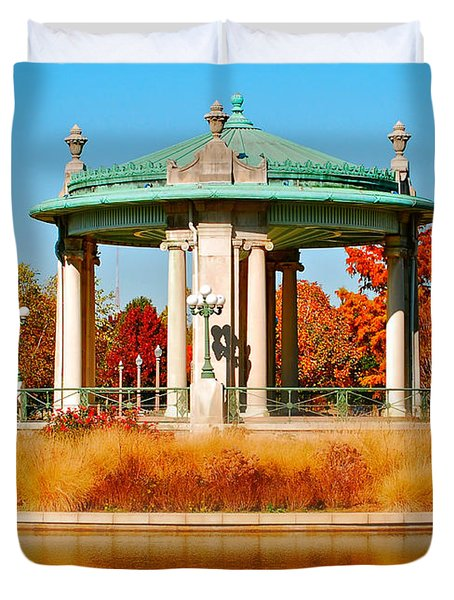 Duvet Cover featuring the photograph Forest Park Gazebo by Peggy Franz