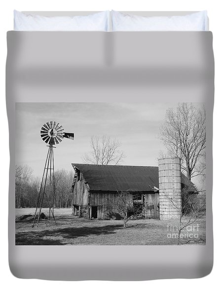 Forgotten Farm In Black And White Duvet Cover
