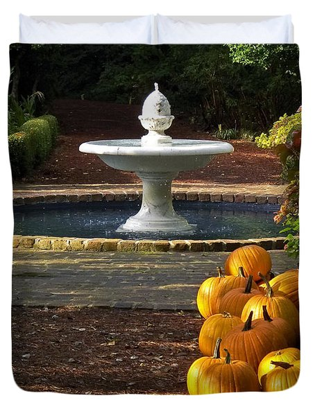 Duvet Cover featuring the photograph Fountain And Pumpkins At The Elizabethan Gardens by Greg Reed