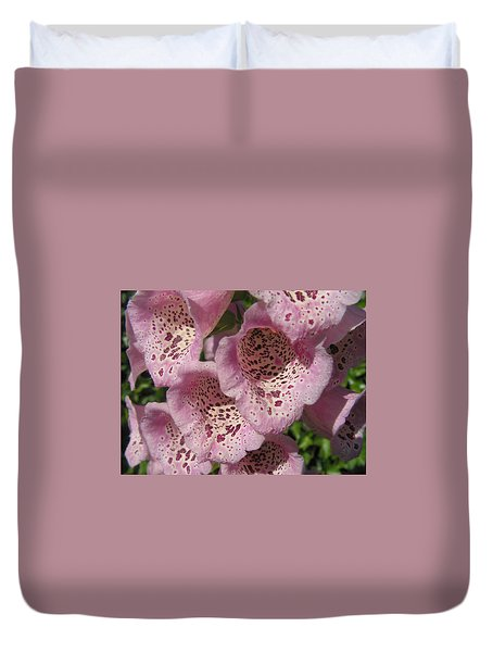 Duvet Cover featuring the photograph Speckled by Cheryl Hoyle