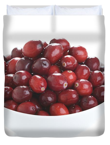 Duvet Cover featuring the photograph Fresh Cranberries In A White Bowl by Lee Avison