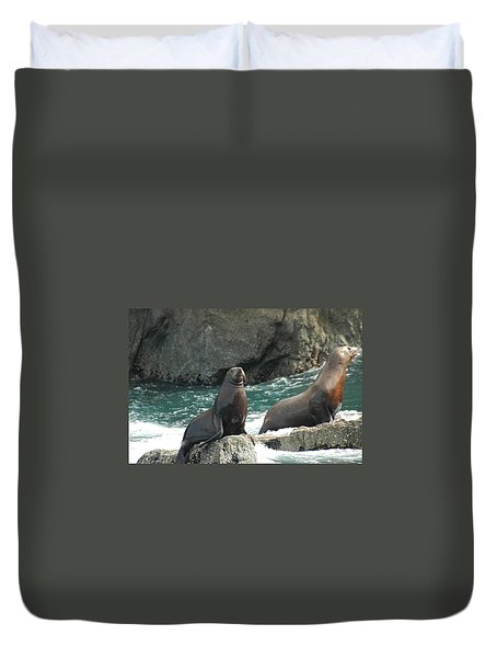 Friends In Alaska Duvet Cover