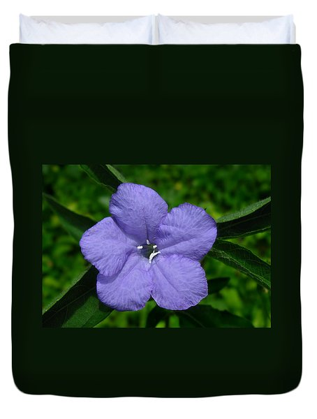Duvet Cover featuring the photograph Wild Fringeleaf Ruellia by William Tanneberger