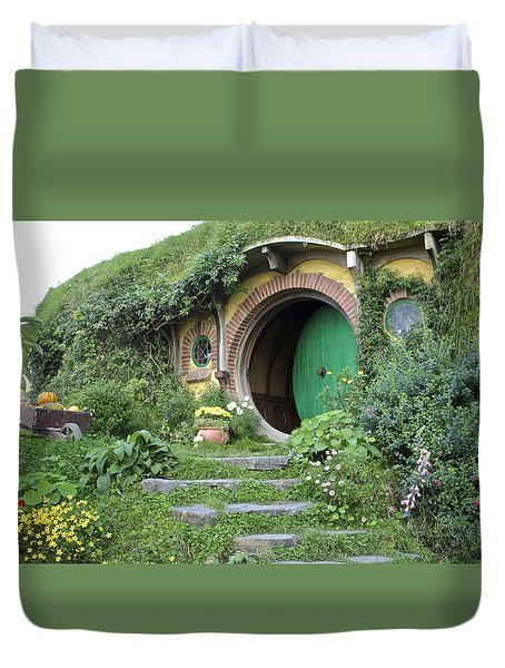 Frodo Baggins Lives Here Duvet Cover