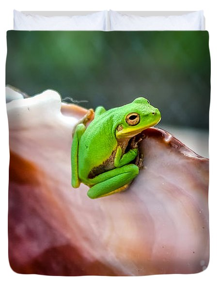 Frog In A Cockle Duvet Cover