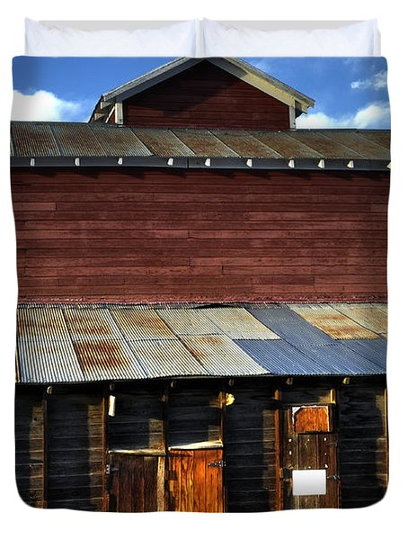 Ft Collins Barn 13553 Duvet Cover by Jerry Sodorff