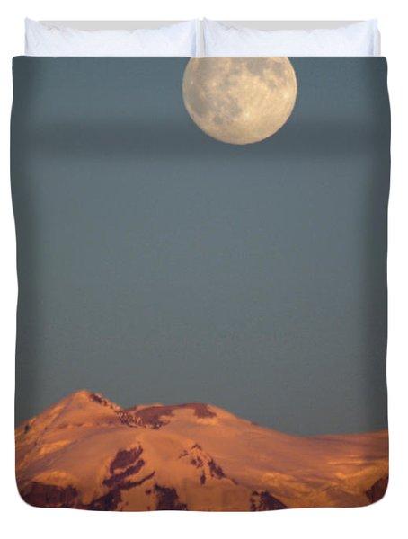 Full Moon Over Mount Rainier Duvet Cover