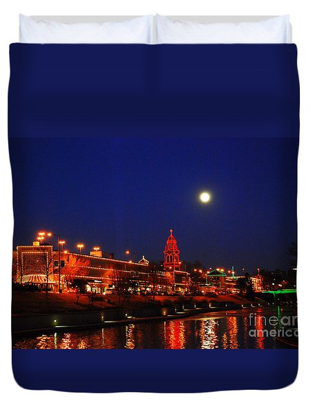 Full Moon Over Plaza Lights In Kansas City Duvet Cover