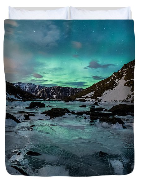 Gale-force Aurora H Duvet Cover
