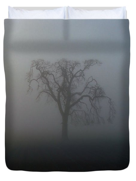 Duvet Cover featuring the photograph Garry Oak In Fog by Cheryl Hoyle