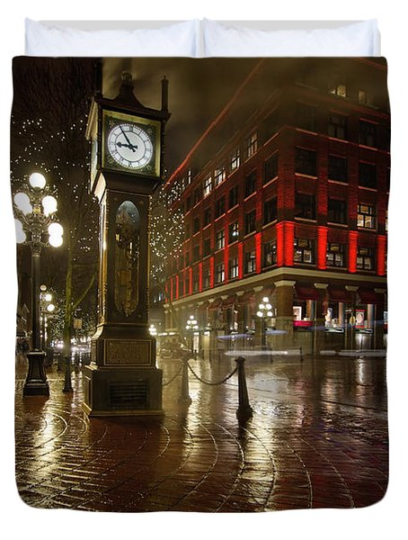 Gastown Steam Clock On A Rainy Night Vertical Duvet Cover