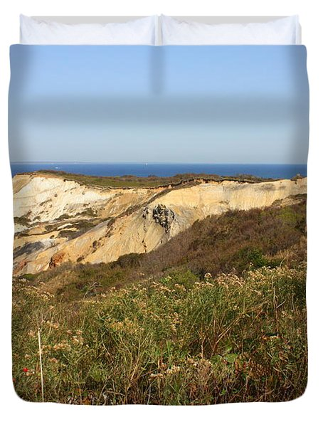 Gay Head Lighthouse With Aquinnah Beach Cliffs Duvet Cover by Carol Groenen