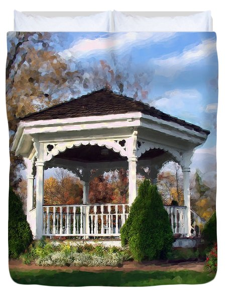 Duvet Cover featuring the photograph Gazebo At Olmsted Falls - 1 by Mark Madere